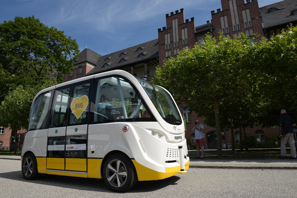 BVG and Charité test autonomous minibuses on clinic premises