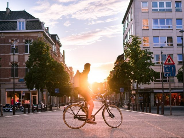 30 percent of Cologne's citizens do not have a car - and use bicycles, public transport and car-sharing instead